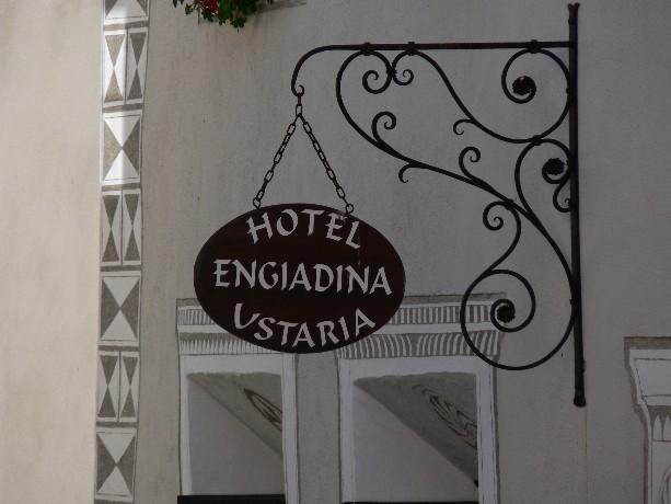 Engiadina stilgerecht untergebracht in einem alten engadiner haus